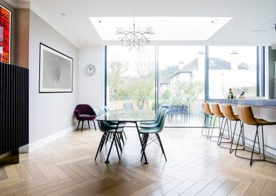 Dining Area View Outside - Highgate Family Home Project. NW3 Interiors is an interior design studio in North London. We work on projects of all sizes & budgets in Hampstead, Primrose Hill, Camden & Belsize Park. Click to view our interior design portfolio.