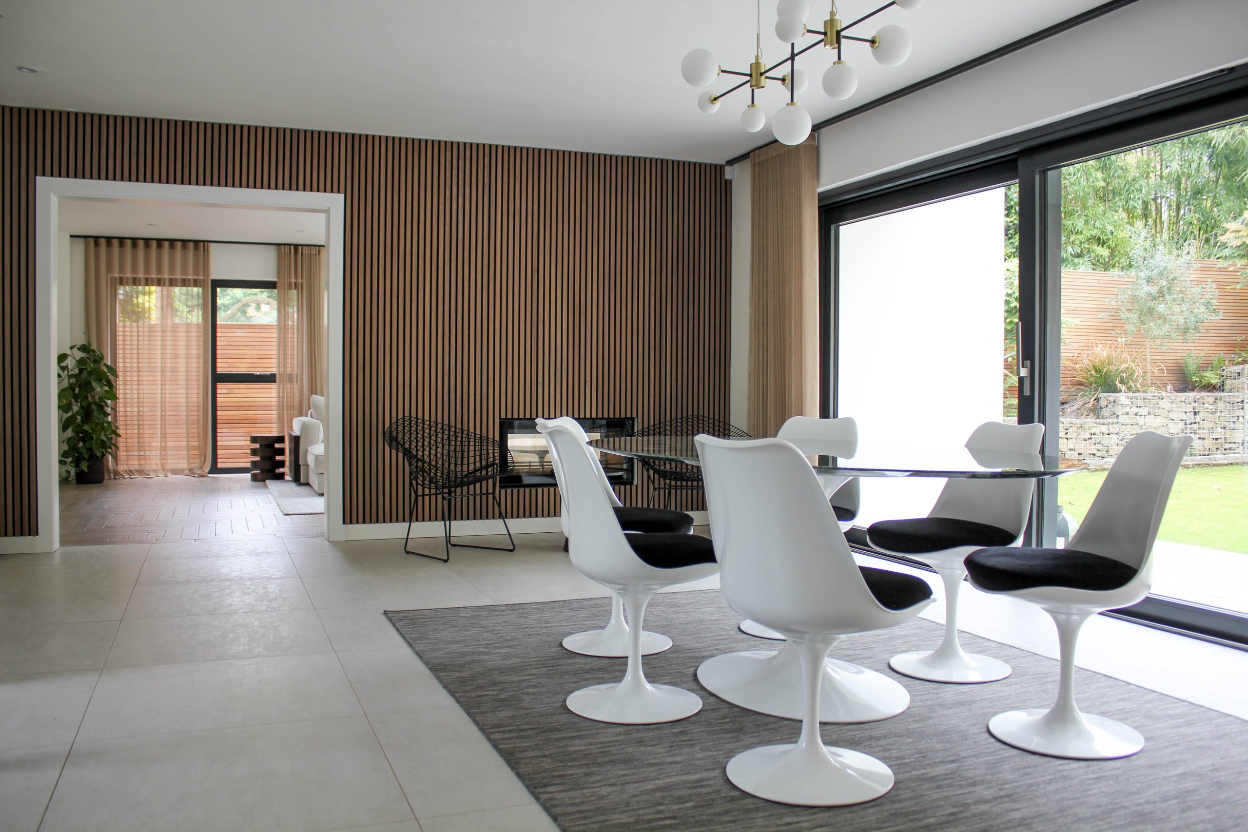 Dining room with knoll saarinen table and chairs